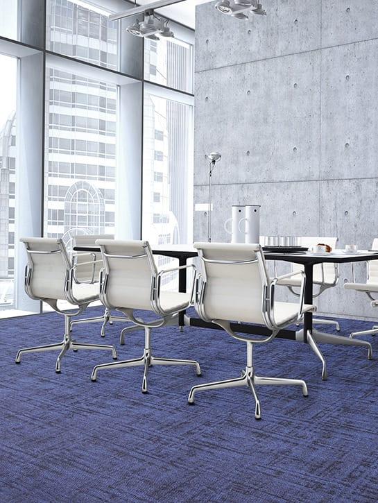 image 4 of 17 – Interfloor Graphic Project-SDN – kleur L62 – Vergaderruimte bureaustoelen