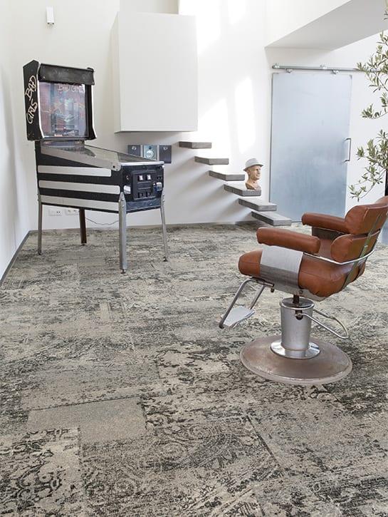 Image 14-17 – Mystique Earth 947 'Brave Sand Stone' – Project Retro