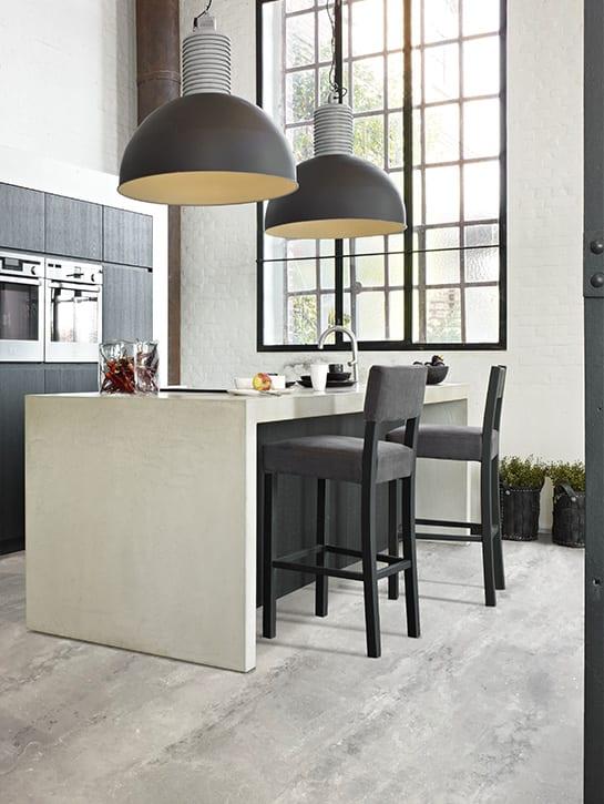 image 4 of 10 - Interfloor Dynamic Cemento - Kleur 643 -Ongepolijste vloer woonkeuken