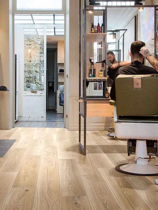 image 4 of 10 – Interfloor Dynamic Wood-3D – Kleur D16 – Barbier / kapperszaak