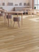 image 6 of 9 – Interfloor Dynamic Wood-3D – Kleur D36 – PVC planken vloer kantine