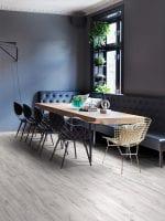 image 9 of 13 – Interfloor Silkwoods-V – Plank 282 – Lounge met eettafel