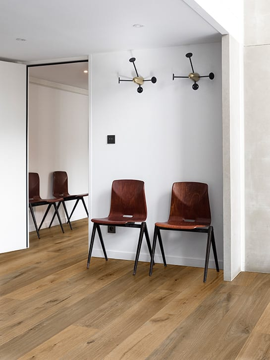image 3 of 6 – Interfloor Urban Wood Project – kleur U39 – Wachtkamer
